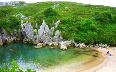 Gulpiyuri… la playa más pequeña del mundo